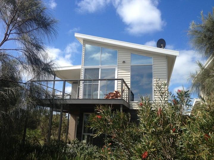 Anchors Beach House 5-Bedroom FREE WIFI 12Apostles