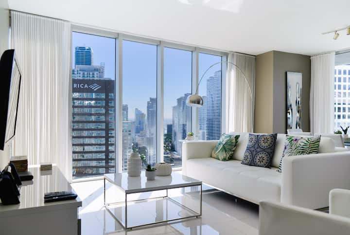 Luxury Condo W Ocean Views @ Icon Brickell