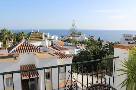Playa Burriana, två terrasser, havsutsikt, pool