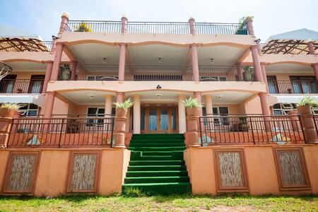The Flower Villa