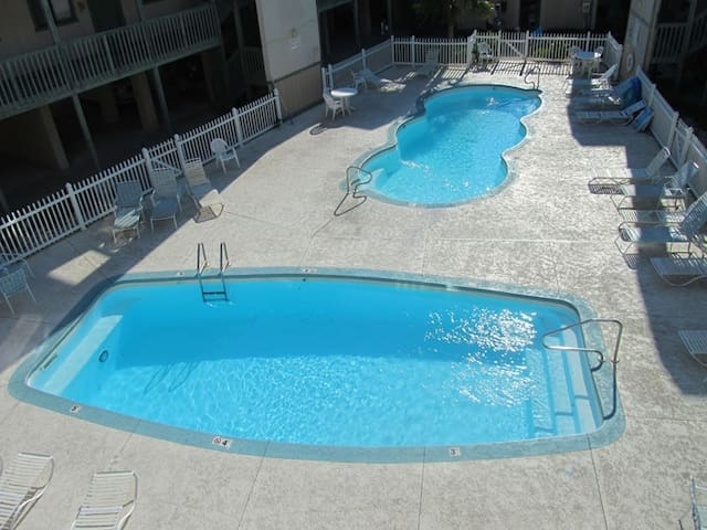 Convenient to Beach~Nice Unit~Budget Friendly~Call or Book Online Now!