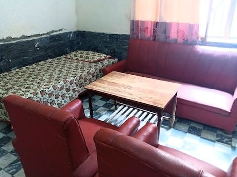 Awesome room, prime location. Pashtum Hospitality, cheapest rate