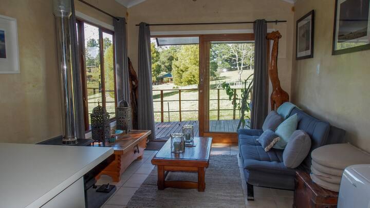 Shady Oak - Charming Farm Cottage