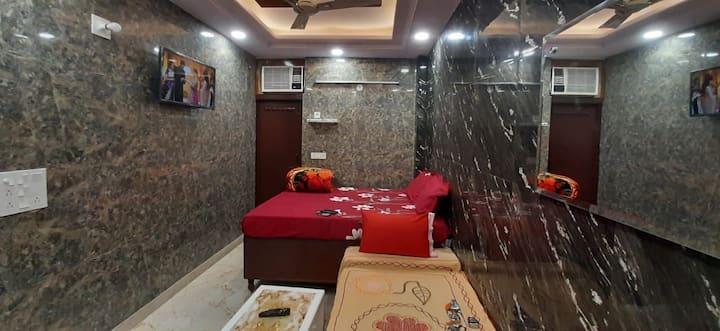 Couple favorite designer room in posh lajpat nagar