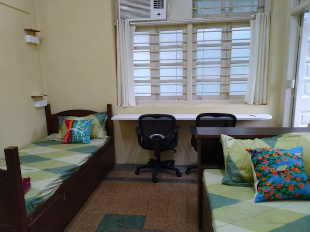 FEMALE ONLY,Great Location,Clean,Shared,Matunga E