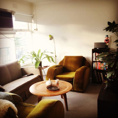 Sunny apartment in Croxton