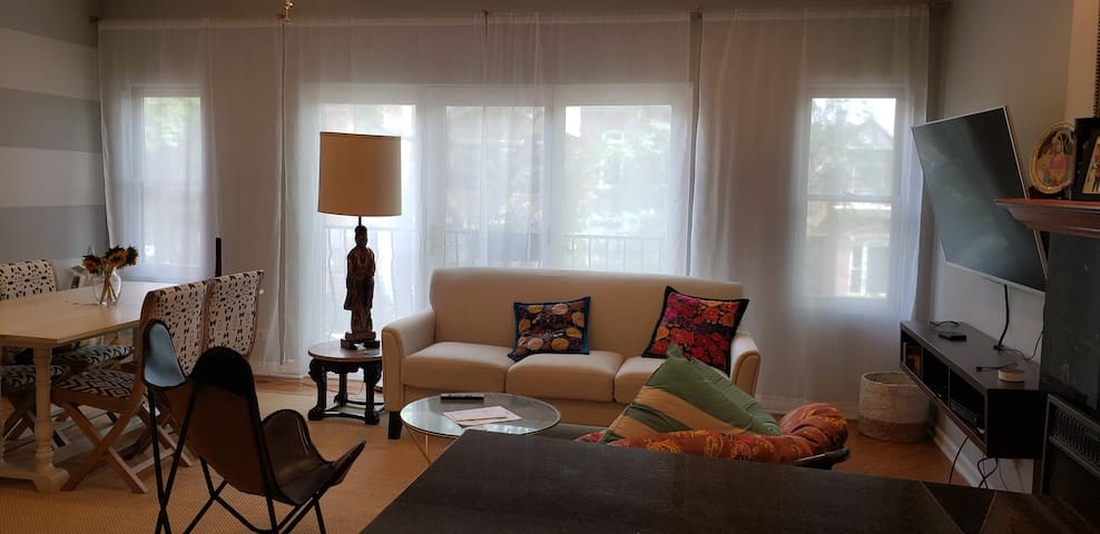 Cozy and Quiet one bedroom in Logan Square
