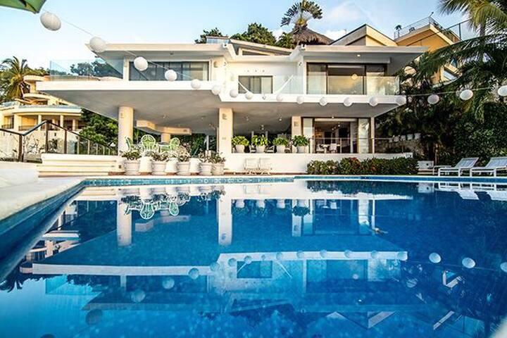 Casa bonita con hermosa vista al mar!