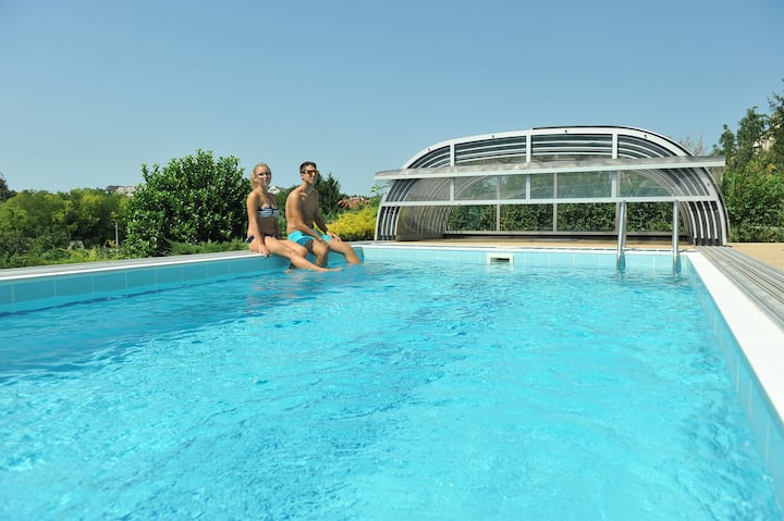 Exclusive Apartman in a suburb with pool and sauna