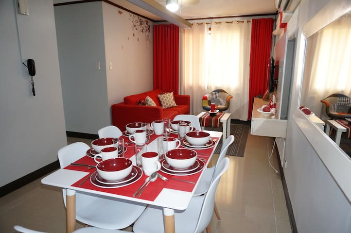 3BR 2Bath freeWifi next to Marriott Hotel & NAIAT3 - Pasay - Apartemen