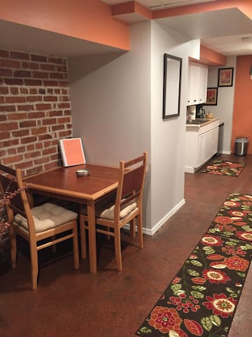 Cozy Apartment (1 mi to downtown) - Olympia - Apartment