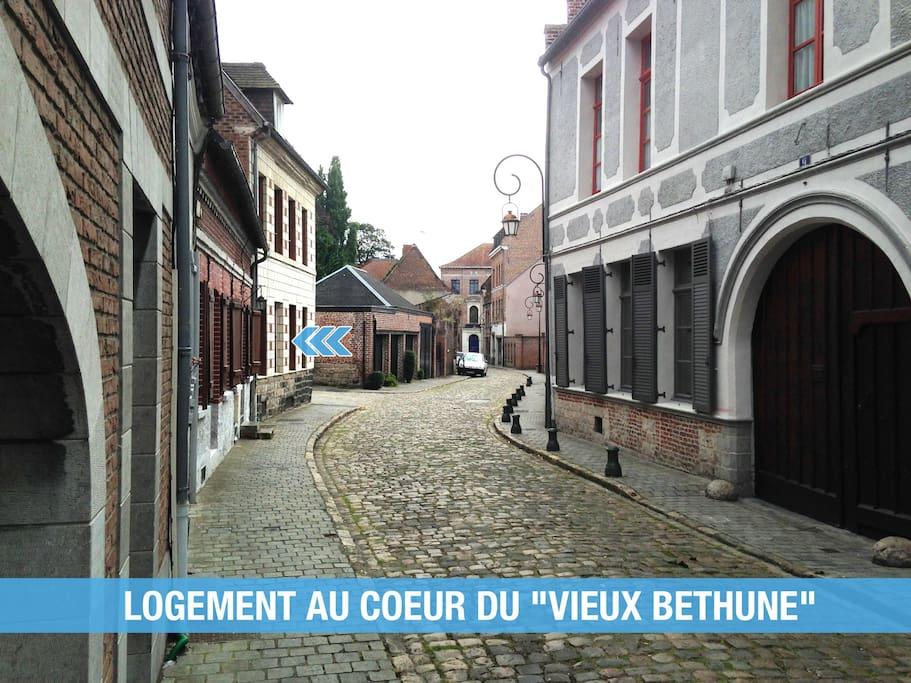 Logement situé au coeur du Vieux Béthune : quartier calme et charmant.