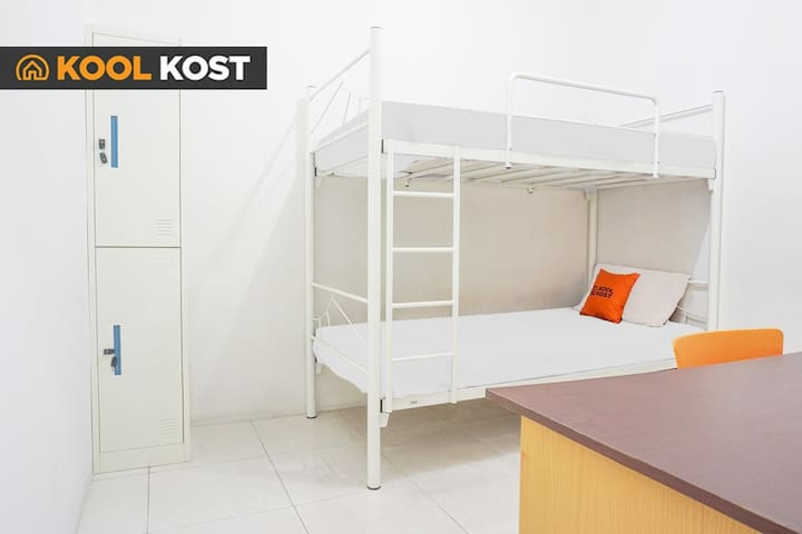 Sweet Dormitory Room in Karawaci