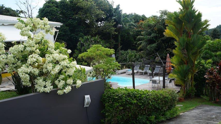 Villa Vanillia , belle maison créole ...