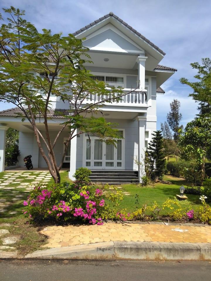 Beautiful and Cozy Villa Sealink PC08