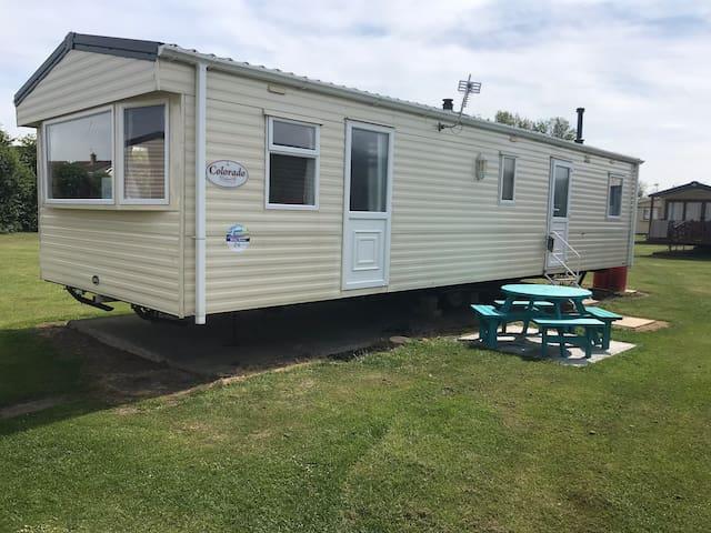 3 Bedroom Caravan on popular Haven site Burnham