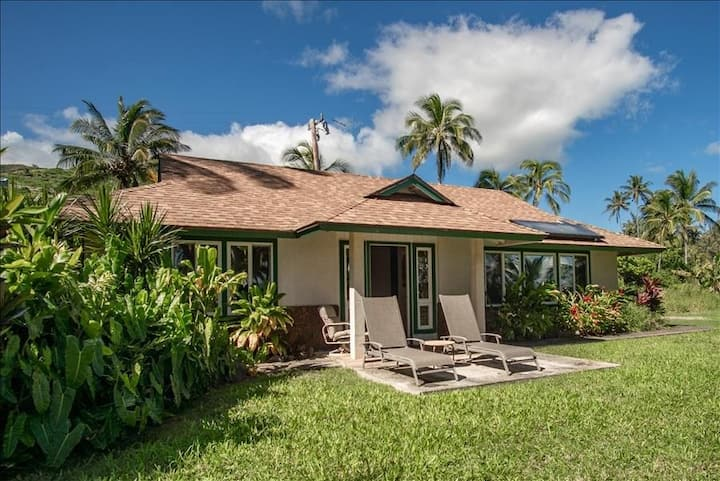 Molokai Vacation Properties - Pukoo  Cottage