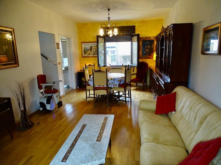 Casa 6 posti letto in zona tranquilla a Brescia.