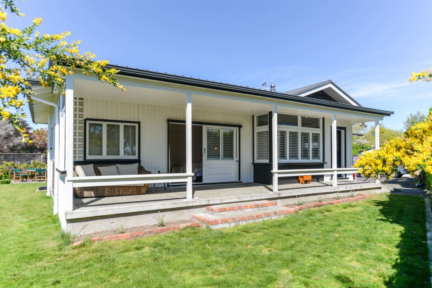 Dan's Place - Havelock North Holiday Home