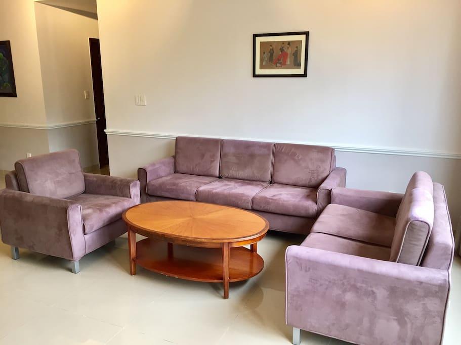 Main entrance living room