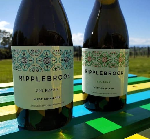 Country Get Away for 4 People Ripplebrook Winery