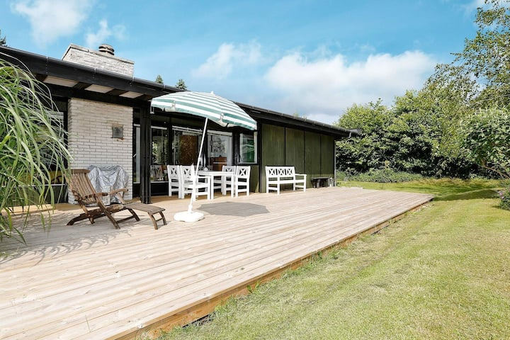 Atemberaubendes Ferienhaus in Gilleleje mit Terrasse