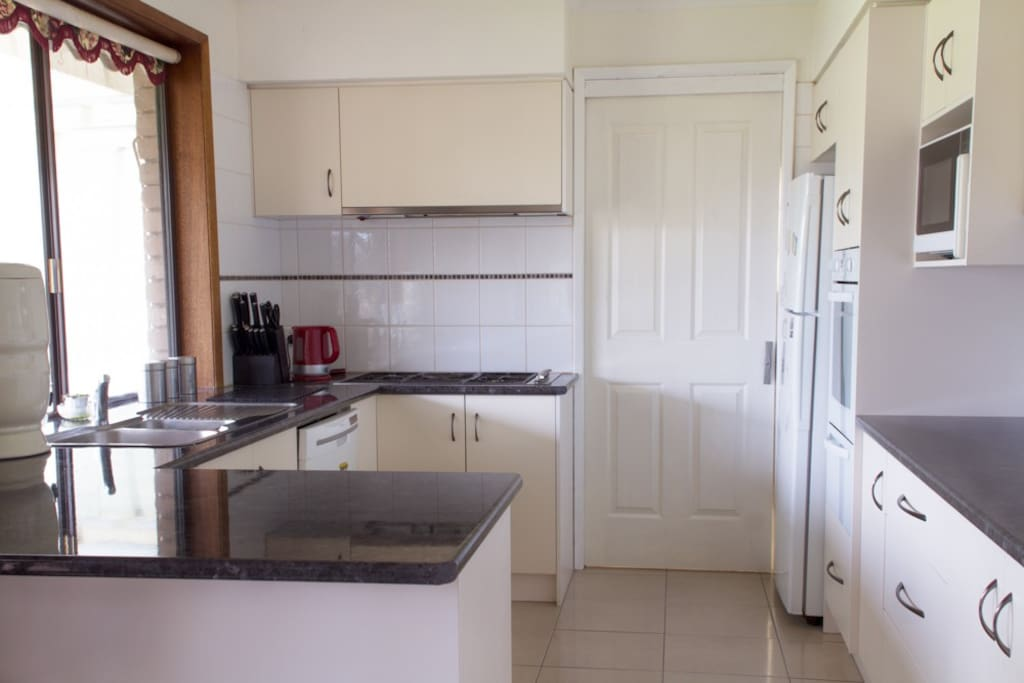 Fully equipped share kitchen