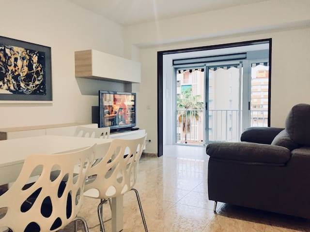 .Apartamento en playa Gandia con piscina y parking