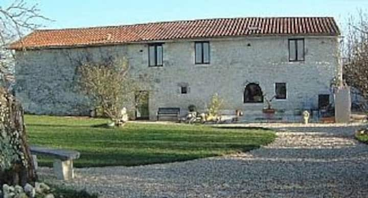 3 Bedroom converted Barn with Private Pool