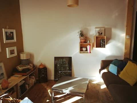 Appartement cosy dans grande bâtisse en pierre