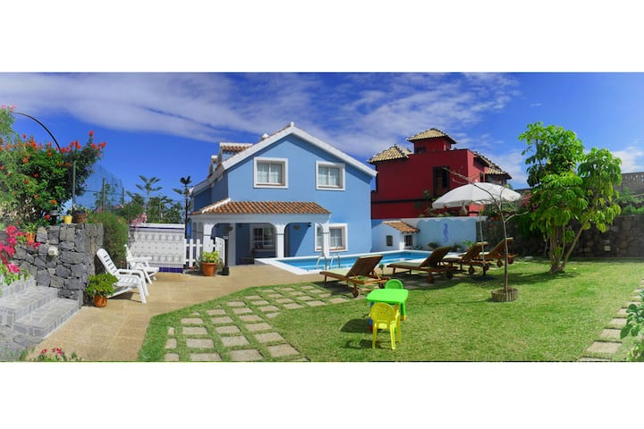 "HOLIDAY HOME ""EL MAR"" with private pool & garden."