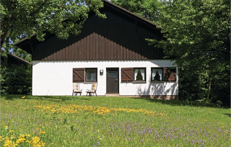 Holiday cottage with 2 bedrooms on 70 m² DHU205