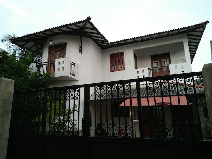 Villa hilltop by yehansa