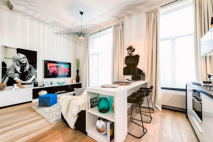 Bright Apartment Studio in the Quartier Châtelain - Saint-Gilles - Flat