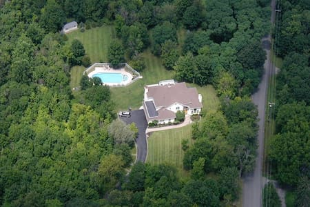 Luxurious sophisticated 5000+sq ft home - Cornwall-on-Hudson