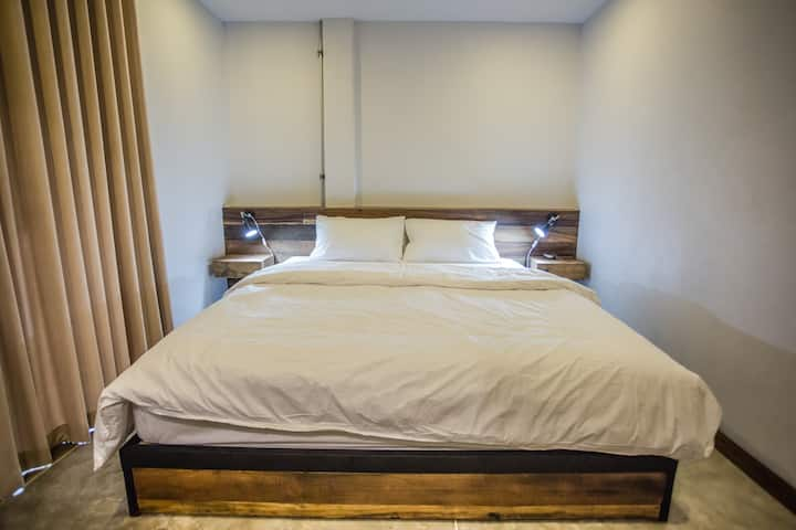 Double bed room with balcony in the old town