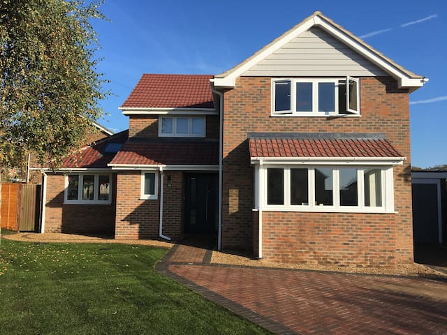 Modern, spacious, 5 bedroom home close to Goodwood