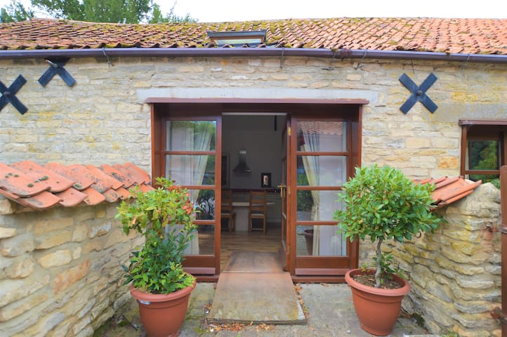 Character Cottage in Rural Village Close to A1