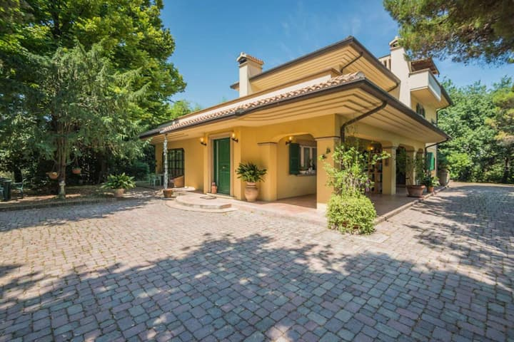 Spectacular Holiday Home in Fano with Garden