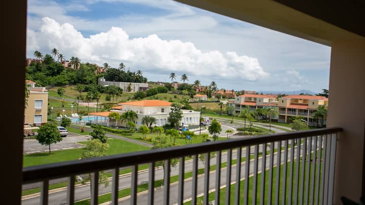 Ocean View, Scenic and Amazing Villa, Beautiful Pool and Huge Rooftop Deck (HL9E)