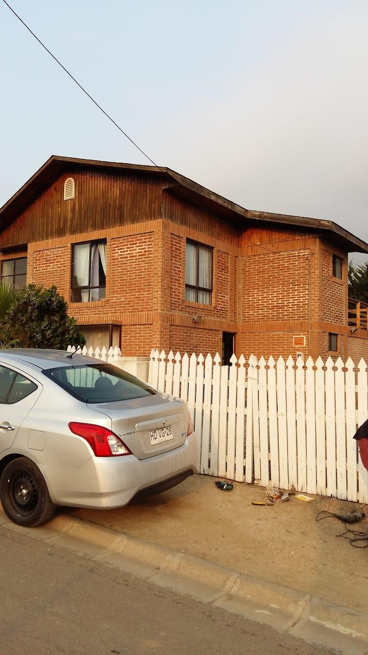 Amplia, cómoda y acogedora casa en Los Molles