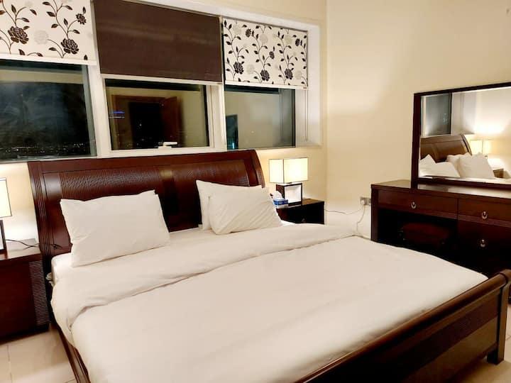 Cozy double room dubai marina 3009