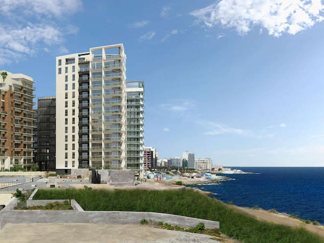 ⭐Pure Luxury in Central Sliema⭐Ocean Views, Pool