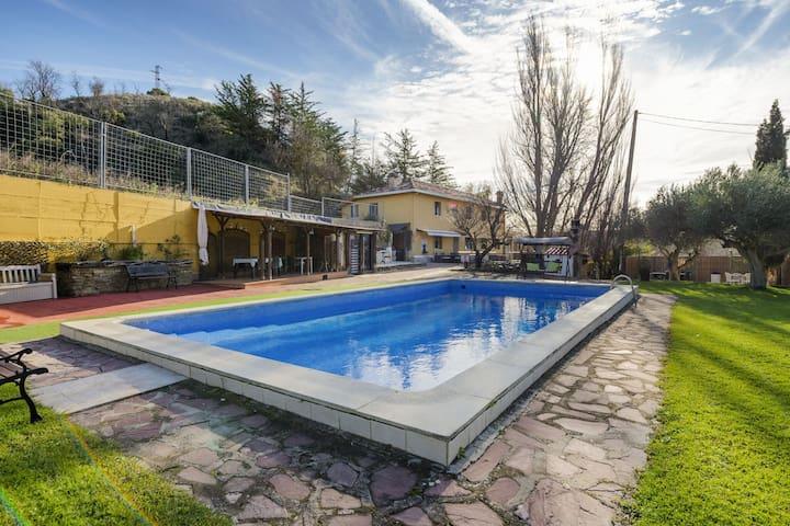 lassy Villa in Assa, Álava with private pool