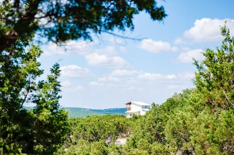 Secluded Sky Cabin at White Branch near Austin