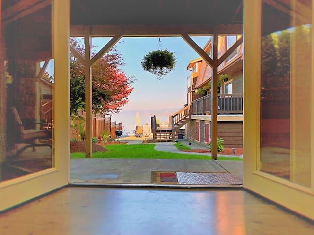 Lake Washington Waterfront Studio-Unit 4