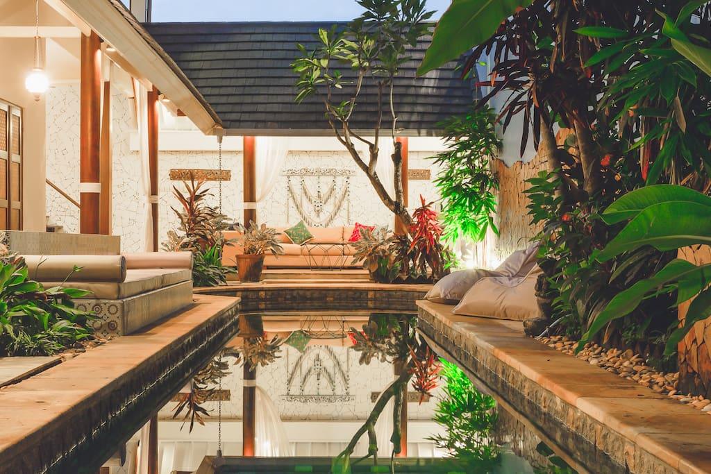 Poolside living at Villa Magenta