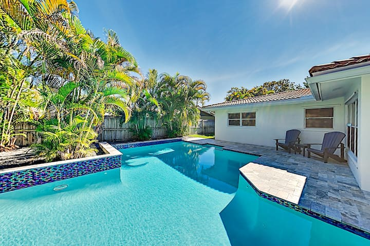 Renovated Coral Ridge Home with Pool, Grill & Spa