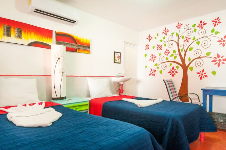 #3 Cozy & Private B&B Near The Beach - Isla Mujeres - Bed & Breakfast