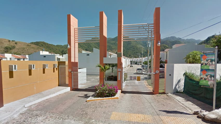 2 habitaciones privadas a lado del Rio el Pitillal - Puerto Vallarta - Casa